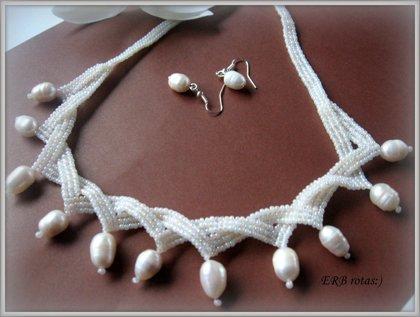 Kaklarota ar upes pērlēm
